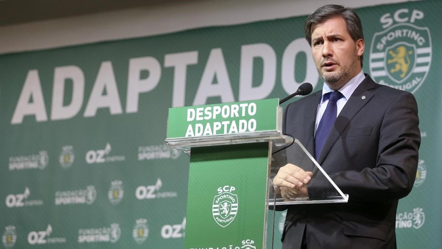 Bruno de Carvalho critica arbitragem do jogo do Benfica